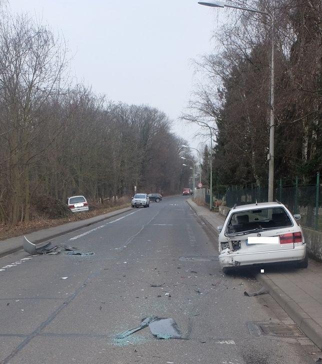 POL-DN: Auffahrunfall sorgt für Verkehrsstörung