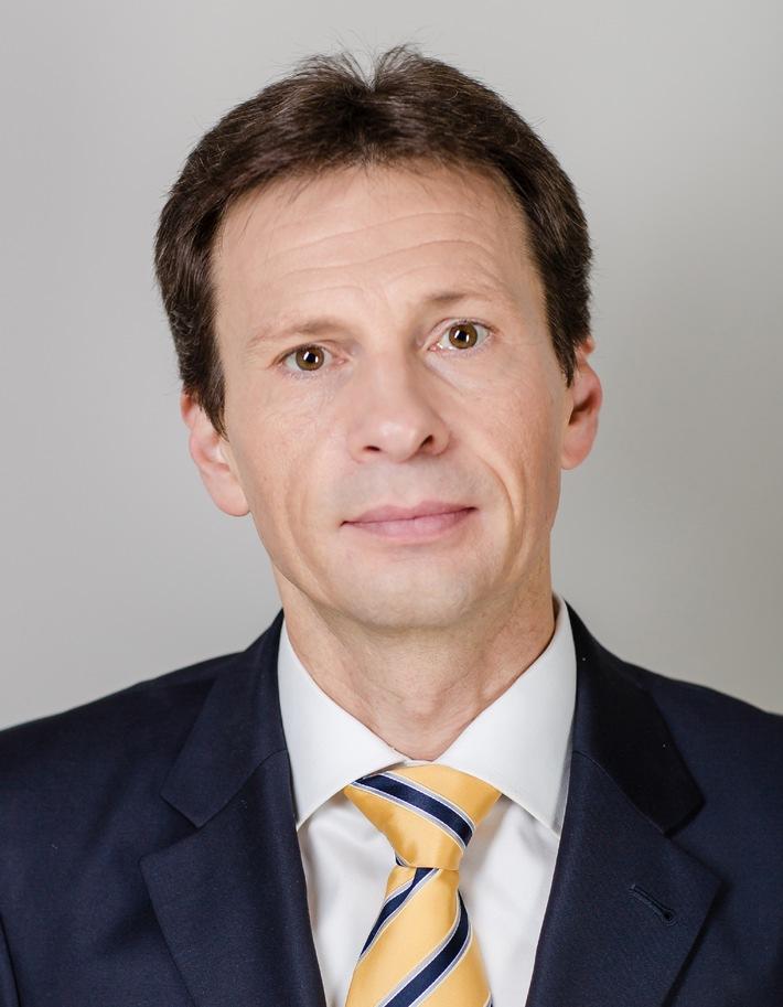 "Dr. Wolfgang Link zum President Toys""R""Us Europe ernannt"