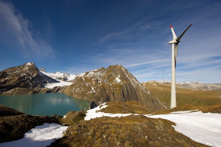 Bouquet de chantier de l'éolienne la plus haute d'Europe à 2465m, à Gries, en Valais