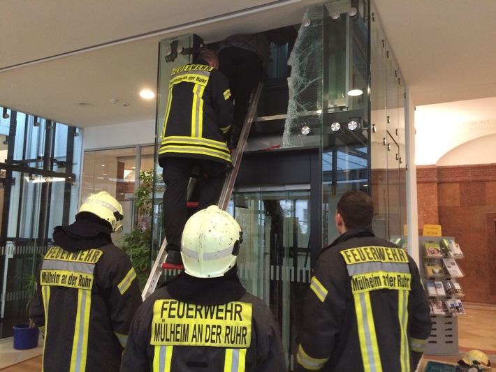 FW-MH: Arbeitsreicher Tag für die Berufsfeuerwehr Mülheim an der Ruhr