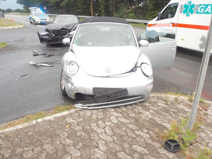 POL-CUX: Zwei leicht Verletzte nach Verkehrsunfall
