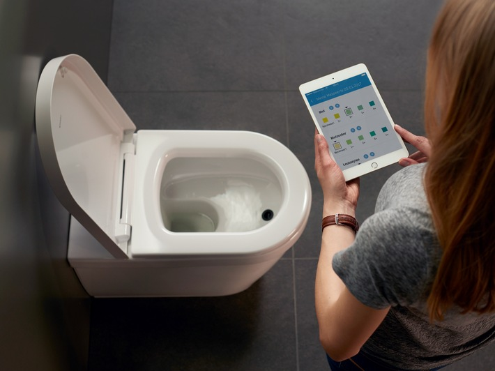 Die Toilette der Zukunft: Duravit präsentiert das erste App-gesteuert WC mit automatischer Urinanalyse auf der ISH in Frankfurt