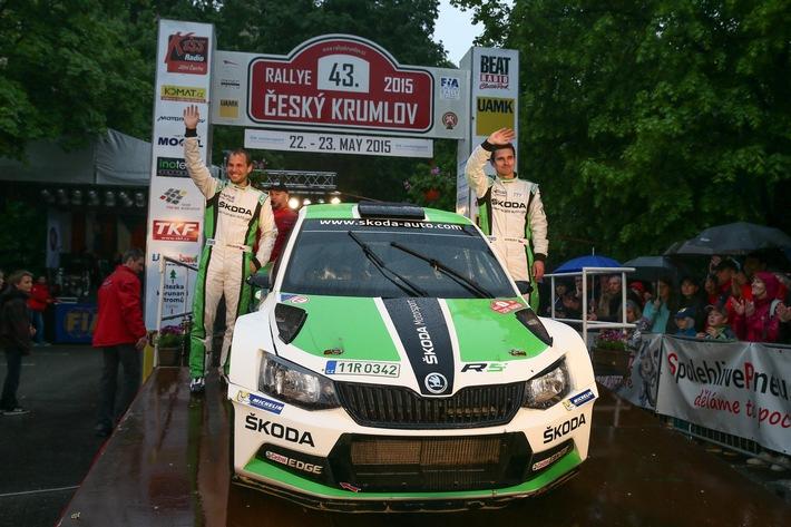 Rallye Italien: Zweiter Härtetest für den SKODA Fabia R5 in der FIA Rallye-Weltmeisterschaft