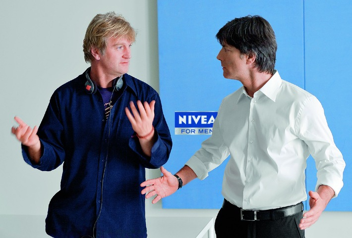 jogi coacht die m nner in der neuen nivea for men kampagne trainiert jogi l w die deutschen. Black Bedroom Furniture Sets. Home Design Ideas
