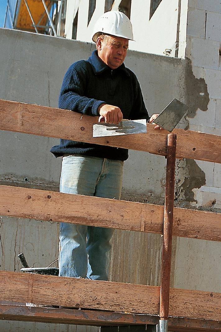 Internationale Konferenz zur Bauwirtschaft: Gefahrstoffe immer stärker verbreitet - Gesundheitsprobleme führen zu vorzeitigem Ausscheiden aus dem Arbeitsleben (mit Bild)
