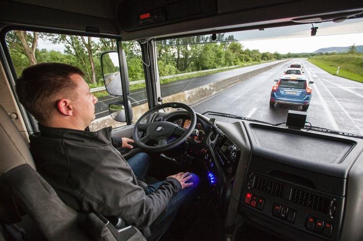 Sieht, denkt und handelt: Der ZF Innovation Truck 2016 mit intelligenten Fahrerassistenzsystemen