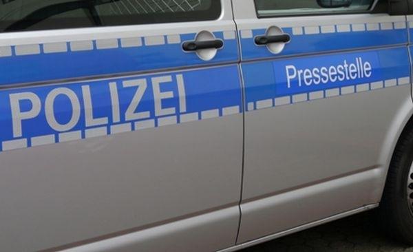 POL-REK: Räuber drohte Spielhallenangestellte - Bedburg