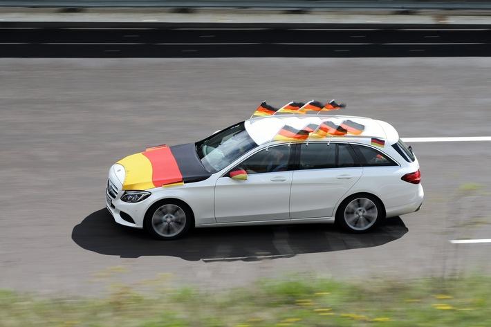 AUTO BILD EM-Special: Auto-Fanartikel im Sicherheitscheck