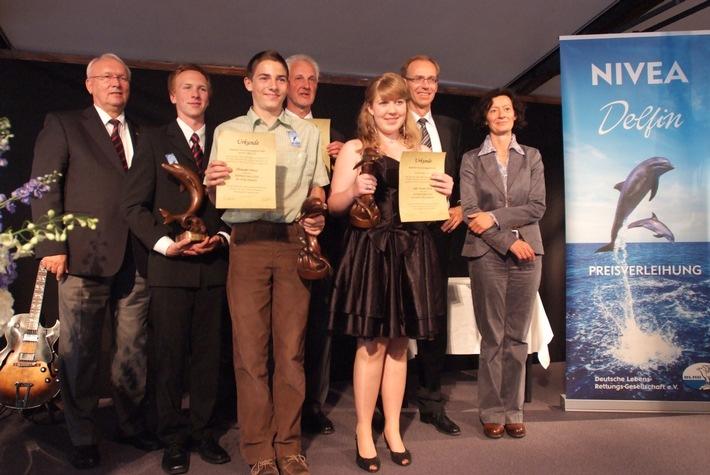 NIVEA Delfin Preis für Lebensretter in Hamburg verliehen / Außergewöhnlicher Mut bewahrte Leben (mit Bild)