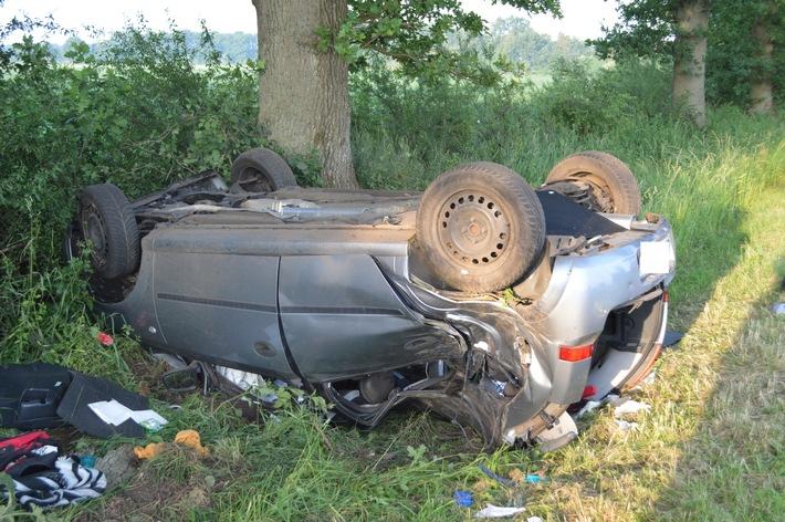 POL-STD: 20-Jährige verstirbt bei Verkehrsunfall nahe Oldendorf, vier weitere Insassen werden zum Teil schwer verletzt --- Unbekannter versprüht Pfefferspray auf dem Stader Altstadtfest