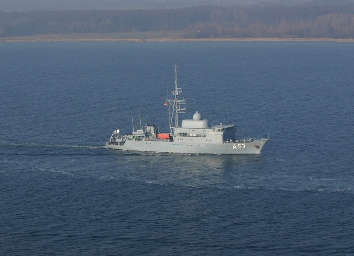 """Flottendienstboot """"Oker"""" geht mit Offizieranwärtern auf Ausbildungsreise"""