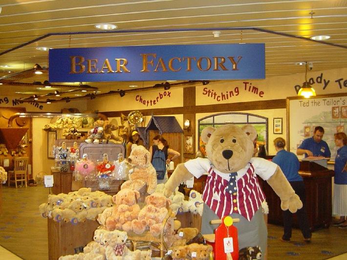 Die tierisch gute Idee beim Franz Carl Weber: bereits über 500 Teddybären haben das Licht der Welt erblickt!