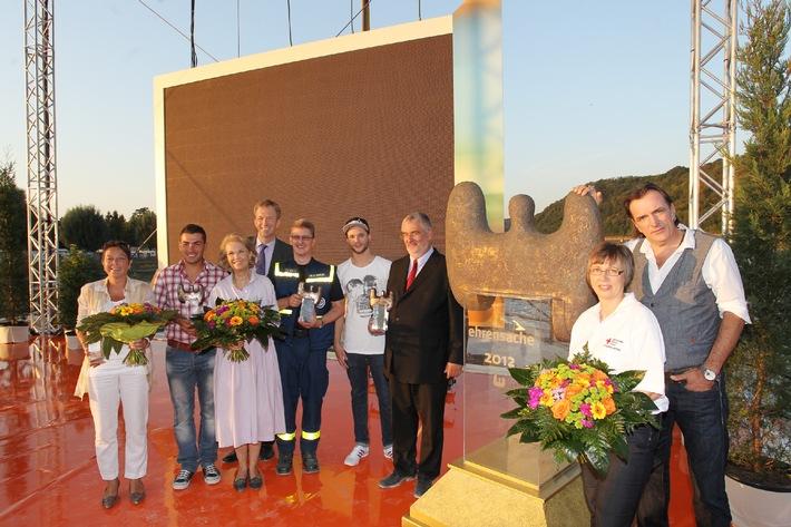 Ehrensache-Preis 2012 verliehen SWR zeichnet fünf Preisträger für ehrenamtliches Engagement aus