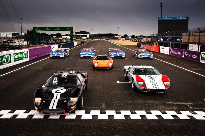 Ford feiert bei den Classic Days auf Schloss Dyck 40 Jahre Fiesta und erinnert an den Le Mans-Sieg von 1966