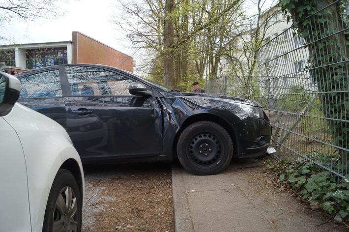 POL-HH: 170421-2. Gefährlicher Eingriff in den Straßenverkehr im Zusammenhang mit der Vollstreckung mehrerer Haftbefehle