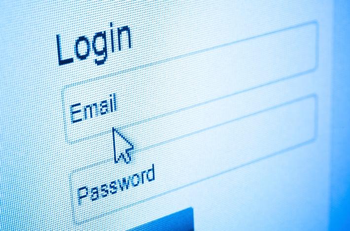 Leichtes Spiel für Hacker: Jeder zweite Internetnutzer ändert sein E-Mail-Passwort seltener als einmal im Jahr