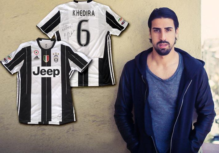 Sami Khedira unterstützt Erdbebenopfer in Italien / Fußballprofi versteigert handsigniertes Juventus Turin-Trikot