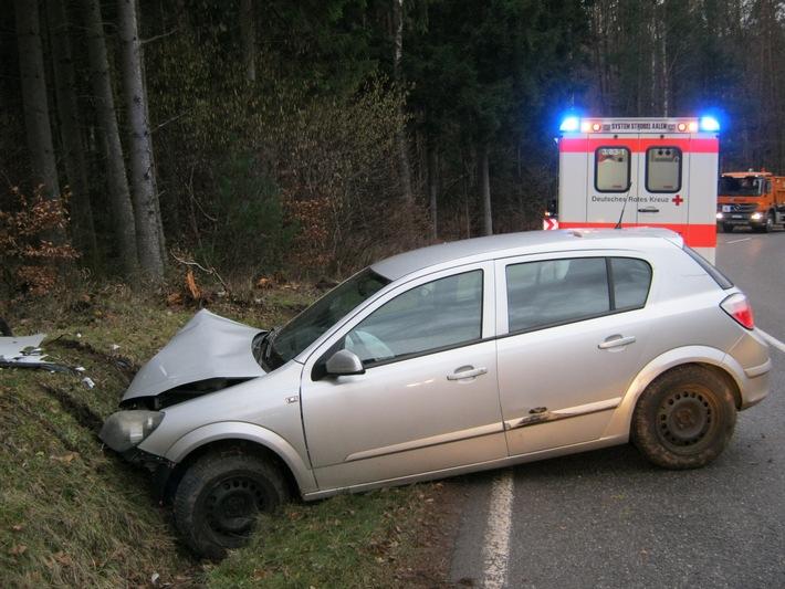 POL-PDPS: Schönau, Landkreis Südwestpfalz Autofahrerin schwer verletzt - Unfallverursacher flüchtet