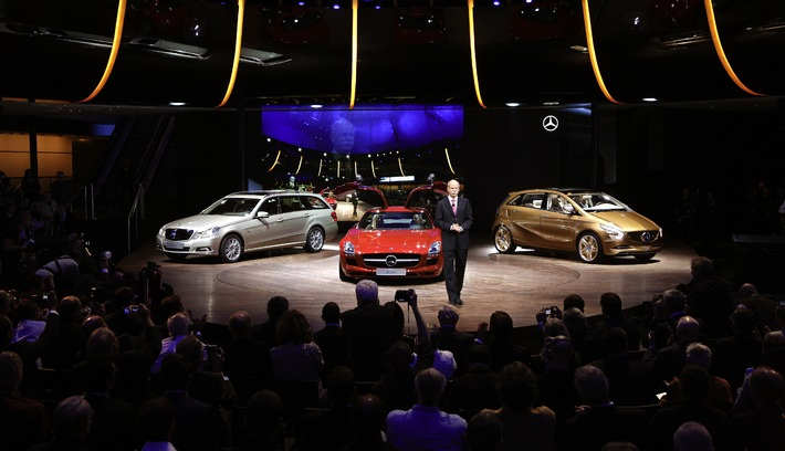 Mercedes-Benz at IAA 2009 / Green technology in fascinating cars for discerning customers