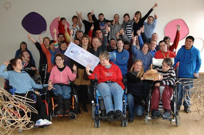 Migros-Kulturprozent: 1. Preisverleihung für Gesundheitsförderungsprojekte für Menschen mit Behinderung  meingleichgewicht-Award für Kreativwerkstätte Rauti