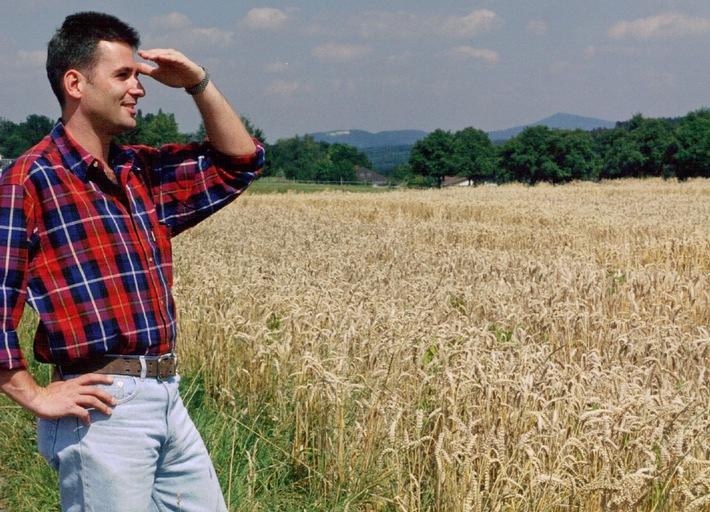 """Landwirtschaft: Getreidestandort Deutschland / Ackerbau: Weizen führende Feldfrucht / Brotgetreide: Alles im """"grünen Bereich"""""""