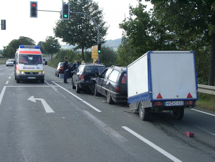 POL-HI: Verkehrsunfall mit mehreren Verletzten und hohem Sachschaden