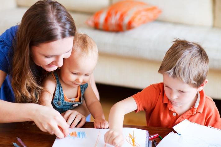 Heute neueste Zahlen des Statistischen Bundesamtes: 20 Prozent Alleinerziehende - die DVAG gibt Einelternfamilien Tipps, wie sie ihre Kinder optimal absichern