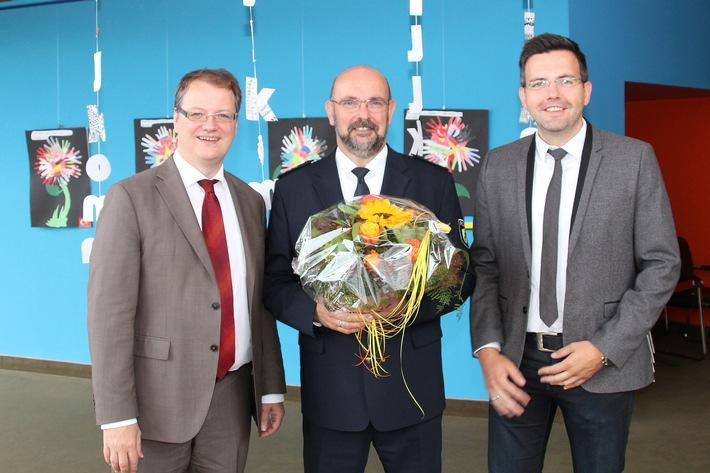 POL-EN: Ennepe-Ruhr-Kreis - Polizeidirektor Klaus Menningen als neuer Abteilungsleiter Polizei vorgestellt