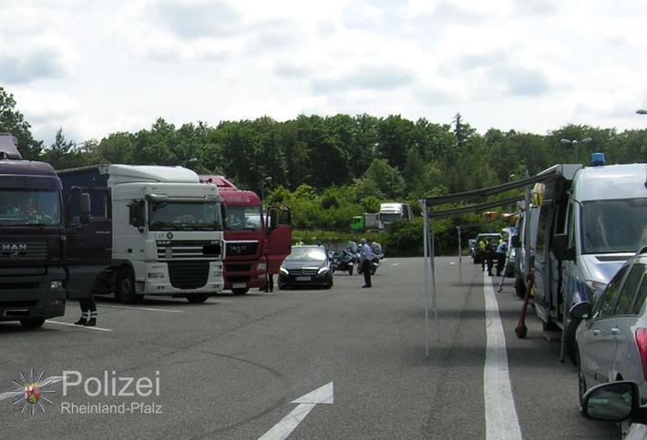 POL-PPWP: Über 80 Lastwagen beanstandet