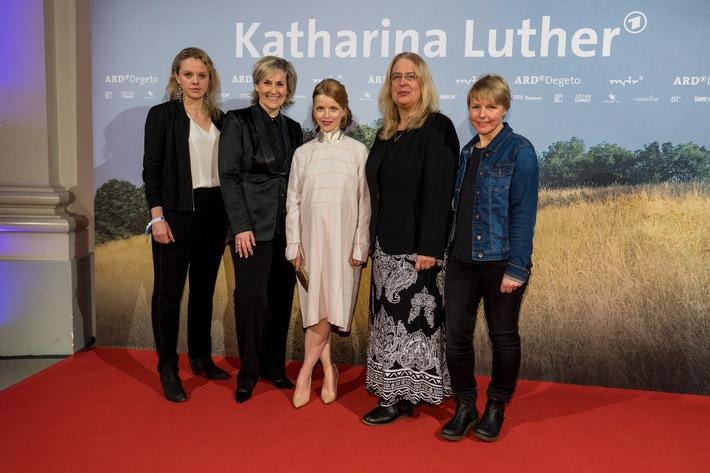 """Bayerischer Fernsehpreis 2017: Drei """"Blaue Panther"""" für MDR-Produktionen"""