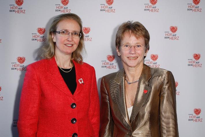 Coca-Cola light engagiert sich mit seinen Partnern für die Frauenherzgesundheit / Heidi Klum als Botschafterin im TV-Spot (mit Bild)