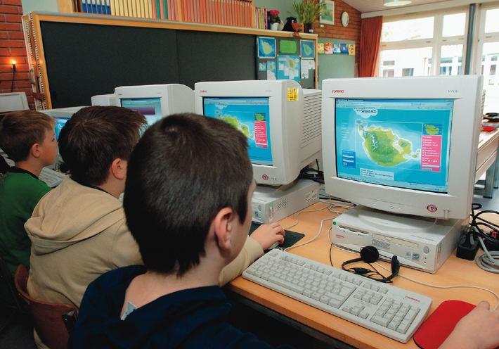 Der SWITCH Junior Web Award wird neu lanciert: Schüler lernen den Umgang mit der virtuellen Welt