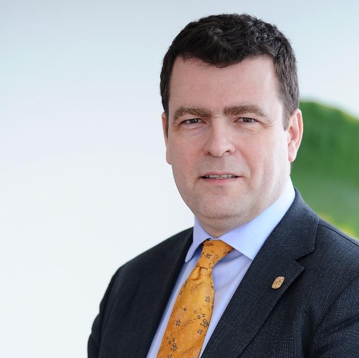 Roland Decorvet, Vorsitzender & CEO von Nestlé China, wechselt zum Hilfswerk Mercy Ships als geschäftsführender Direktor des Spitalschiffes Africa Mercy