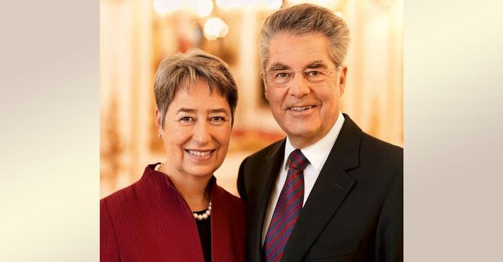 Österreichs Bundespräsident a.D. versteigert sich / United Charity bietet Chance auf exklusives Treffen mit Dr. Heinz Fischer / Erlös kommt zu 100 Prozent Wiens mobilem Kinderhospiz MOMO zugute