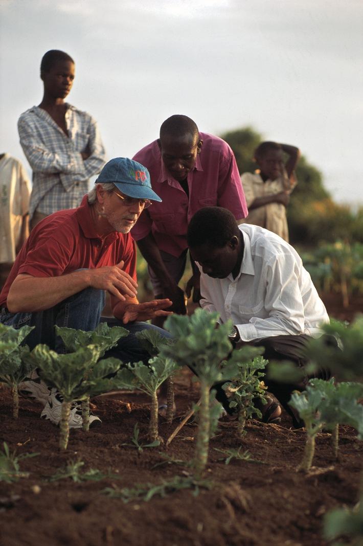 Alternativer Nobelpreis geht erstmals an einen Schweizer / Hans Rudolf Herren wird für seinen Einsatz gegen Hunger und Armut ausgezeichnet