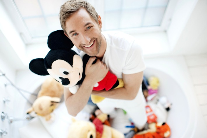 "Fabelhaft: Daniel Boschmann moderiert  ""Die große Disney Quizshow""  am 28. Dezember 2012 um 20.15 Uhr  in SAT.1"