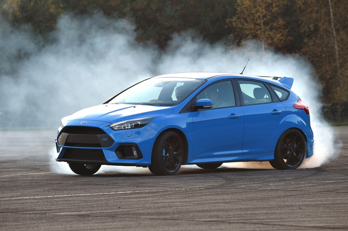"""Britische Fachzeitschrift Autocar kürt Ford Focus RS-Chefentwickler Tyrone Johnson zum """"Ingenieur des Jahres"""""""