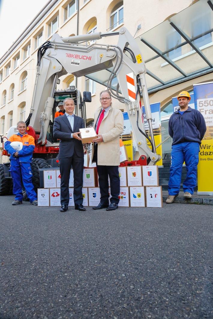 Schweizerischer Baumeisterverband übergibt 26'000 Bauarbeiter-Unterschriften für LMV-Verlängerung (aktualisierte Version)