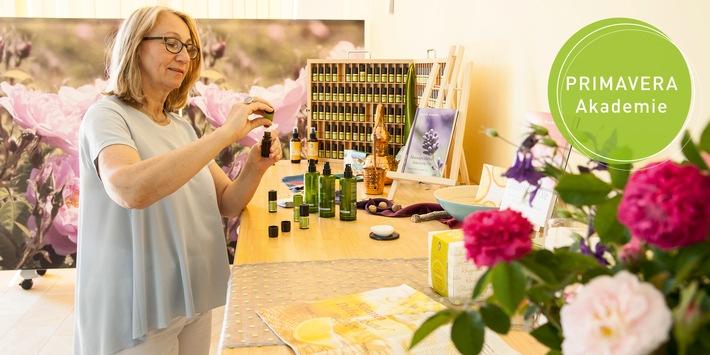 Ausbildung in der Aromapflege: PRIMAVERA setzt eigene Standards