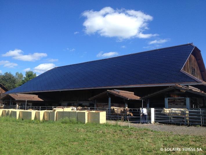 Neues Solardach erfüllt sämtliche Anforderungen der Denkmalpflege - Solaire Suisse baut gebäudeintegriertes Solardach