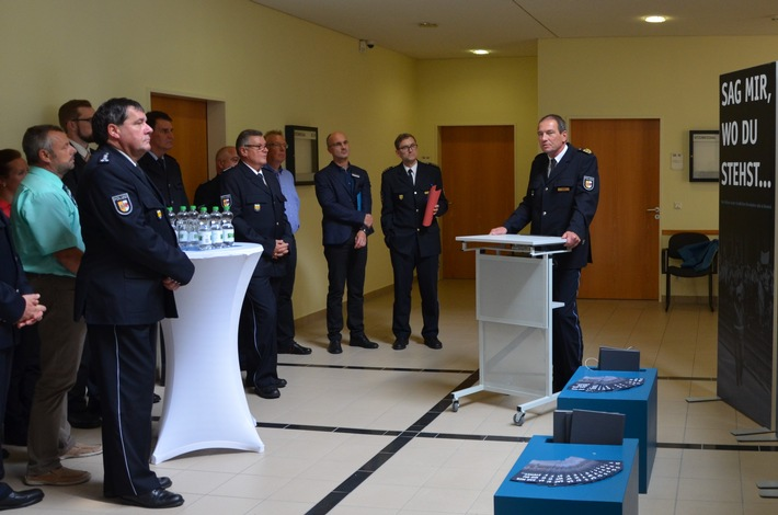Wanderausstellung, Polizeipräsident Laum