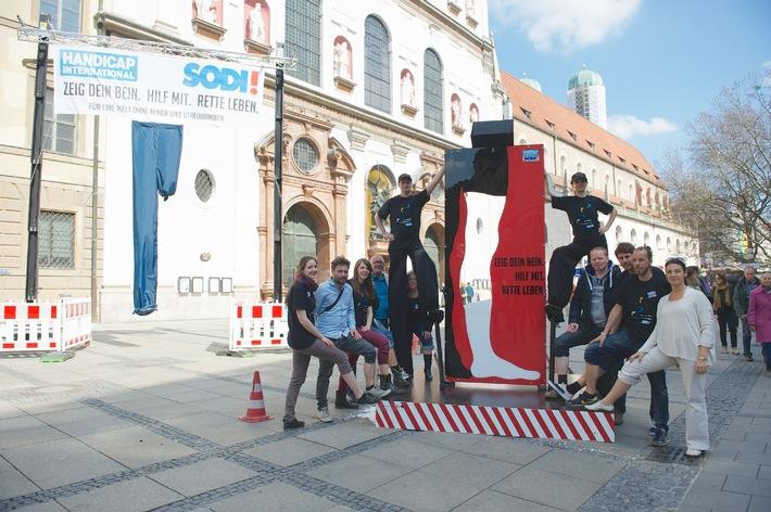 München zeigt Bein gegen Landminen und Streubomben