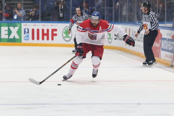 IIHF Eishockey-Weltmeisterschaft: SKODA Vorstandsvorsitzender Bernhard Maier zeichnet 'Most Valuable Player' aus