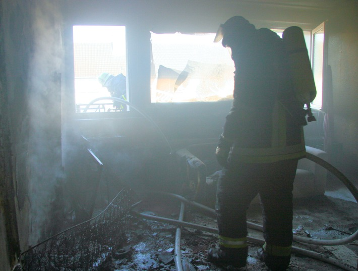 FW-E: Zimmerbrand in Essen-Altendorf, eine männliche Person verletzt