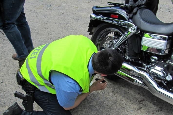 POL-DA: Mossautal: Motorradfahrer im Visier der Polizei / Polizei zeigt sich nach Bikekontrollen am Marbach-Stausee zufrieden