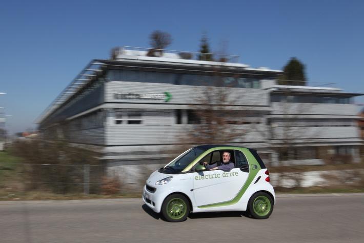 Elektro-Smart: Electrosuisse beteiligt sich am Pilotprojekt mit 50 smart fortwo electric drive im Grossraum Zürich