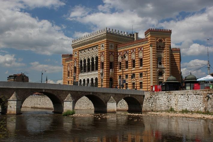 Zeit des Gedenkens: Eurovision und Die Wiener Philharmoniker einen Europa bei einer Gedenkfeier zum Ausbruch des Ersten Weltkriegs in Sarajevo