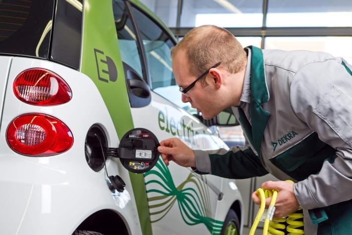 DEKRA Umfrage zur Elektromobilität / Jeder Zweite ist für staatlichen Kaufanreiz (mit Bild)