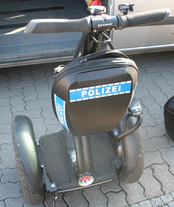 """POL-DA: Darmstadt: """"Die Zukunft hat bereits begonnen"""" / Polizei erprobt Selbstbalanceroller / Einladung zur """"Probefahrt"""" an die Medien"""