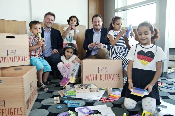 Mit Freude am Rechnen Menschen verbinden - Stiftung Rechnen verteilt Math4Refugees-Willkommensboxen an Flüchtlingseinrichtungen